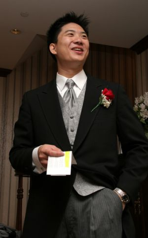 0013groom.jpg